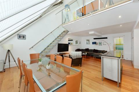 3 bedroom penthouse to rent - Dean Street, London, W1D