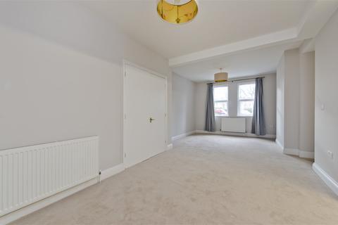 2 bedroom flat to rent - Steyne Road, Acton W3