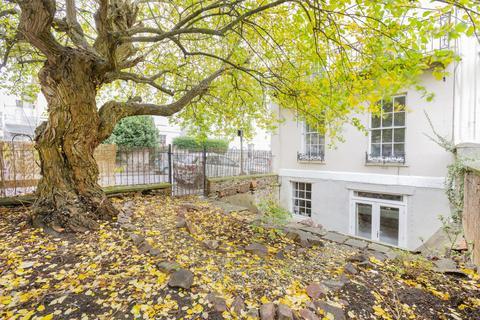 2 bedroom flat to rent - Gordon Road, Clifton, BS8