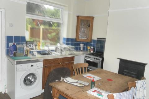 3 bedroom townhouse to rent - Albert Street, Newcastle Under Lyme ST5