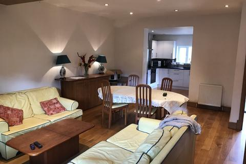 2 bedroom cottage to rent - Pembroke Place, Isleworth