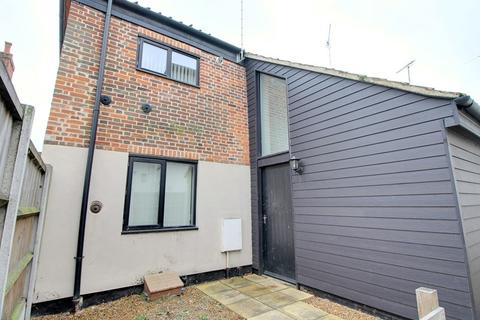 2 bedroom end of terrace house for sale - Little Bull Close, NORWICH