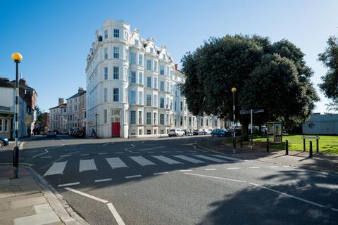 1 bedroom flat for sale - 1-6 Western Parade , Southsea  PO5