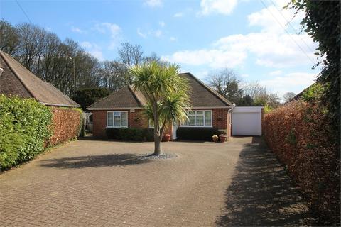 3 bedroom detached bungalow for sale - Orchard Close, Tilehurst, READING, Berkshire