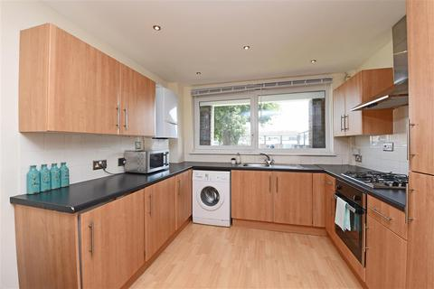 2 bedroom apartment for sale - Bell Drive, Southfields, Southfields