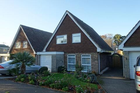 4 bedroom detached house to rent - Banstead, Surrey, SM7 1NB