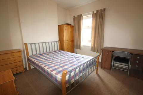 4 bedroom end of terrace house to rent - Luther Street, West End, Leicester LE3