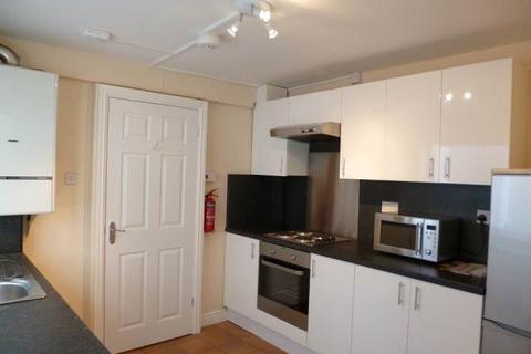 3 bedroom house to rent - Fleet Street, Sandfields, Swansea