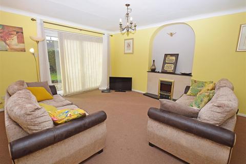 3 bedroom semi-detached house for sale - Ainsdale Drive, Peterborough