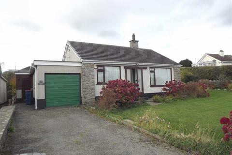 2 bedroom detached bungalow for sale - Maes Llydan, Benllech, Anglesey