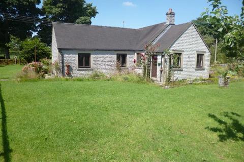 2 bedroom detached bungalow to rent - Grindon, Nr Leek, Staffordshire