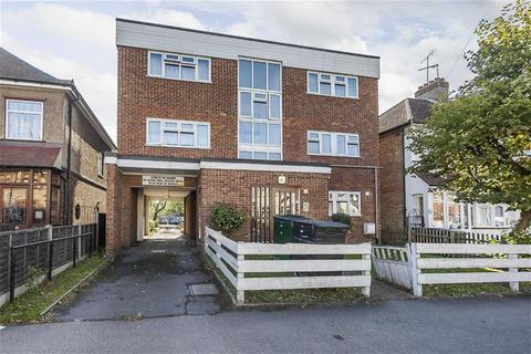 1 bedroom flat for sale - Burnham Road, Chingford