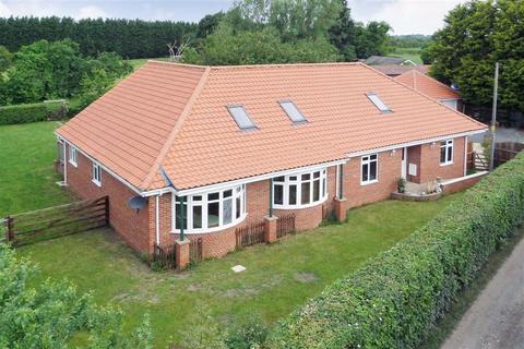 4 bedroom detached bungalow for sale - Skiff Lane, Holme On Spalding Moor