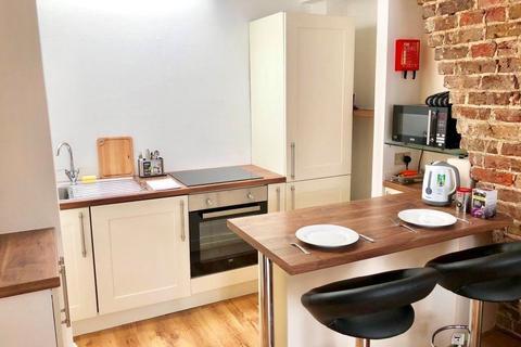 2 bedroom flat to rent - Charles Street, Brighton