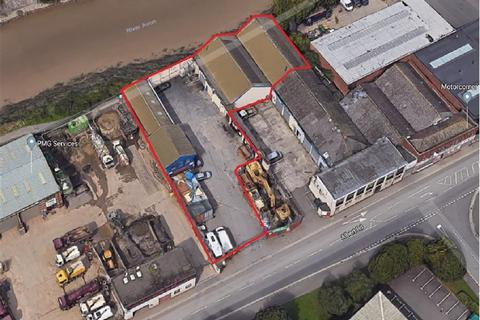 Industrial unit to rent - Albert Road, St Phillips, Bristol