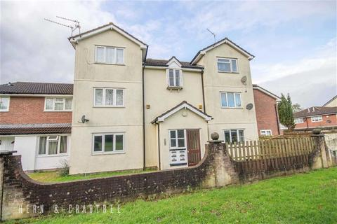 2 bedroom flat for sale - Bishop Hannon Drive, Pentrebane, Cardiff
