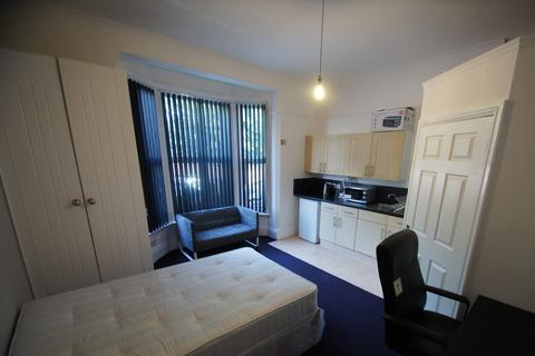 Studio to rent - Flat 1 Holyhead Road, Coundon, Coventry, CV1 3AA