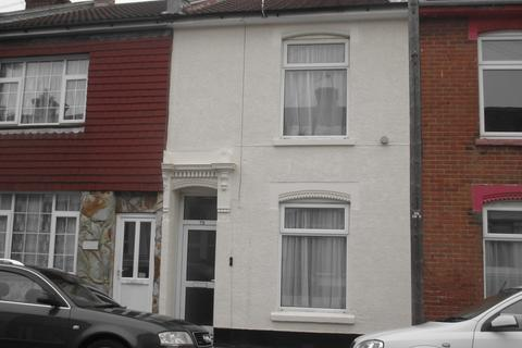4 bedroom terraced house - Telephone Road, Southsea