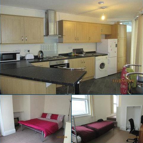 4 bedroom semi-detached house to rent - Hambrook Street, Southsea