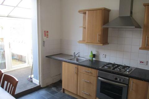 4 bedroom maisonette to rent - Castle Road, Southsea, Hants, PO5 3AZ