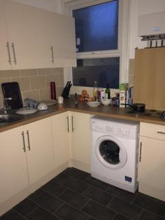 4 bedroom apartment to rent - Castle Road, Southsea