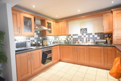 2 bedroom flat for sale - Lower Canal Walk, City Centre, Southampton, Hampshire, SO14