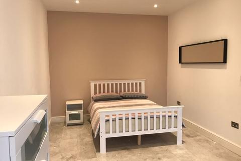 1 bedroom house share to rent - Eastern Avenue, Gants Hill, Redbridge IG2