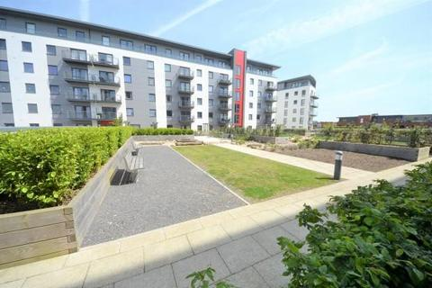 3 bedroom apartment to rent - Fairbourne Court, Denyer Walk, Southampton, Hampshire, SO19
