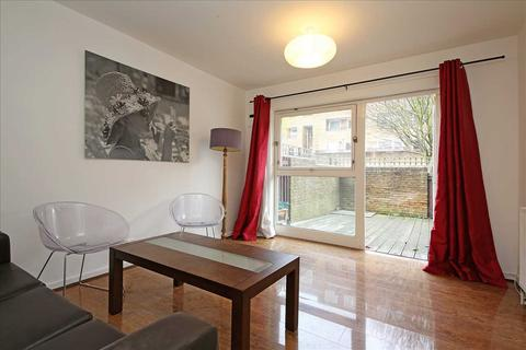 2 bedroom terraced house to rent - Turenne Close, London