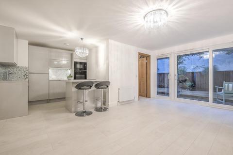 2 bedroom flat for sale - Belmont Street, Chalk Farm