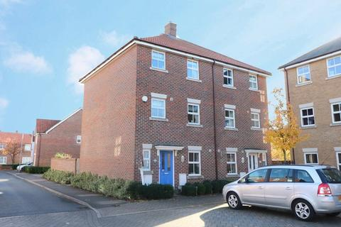 4 bedroom semi-detached house for sale - Greenland Avenue, Wymondham