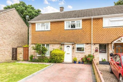 3 bedroom semi-detached house to rent - Dale Valley Road, SO16