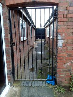 Studio to rent - KHAN HOUSE, BRIDGE ROAD, SALTLEY, BIRMINGHAM B8