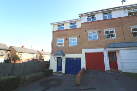 3 bedroom house to rent - Elm Park, Reading