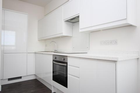 1 bedroom flat to rent - The Causeway, BN12
