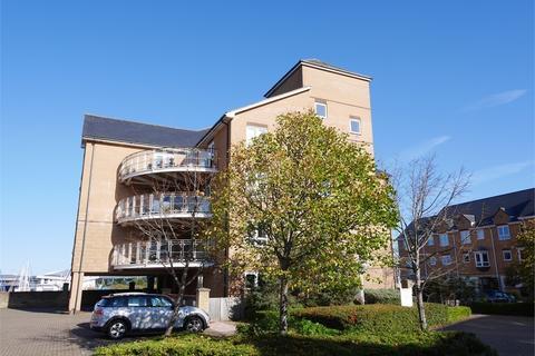 3 bedroom flat for sale - Anchor Road, Penarth Marina