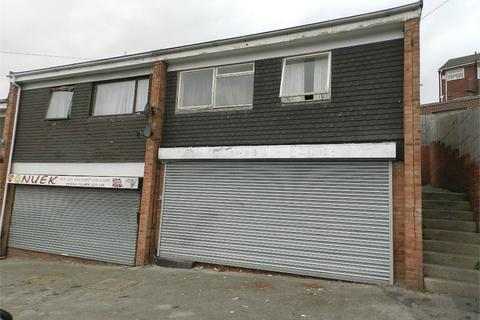Property to rent - Sandstone Road, Wincobank, SHEFFIELD, South Yorkshire