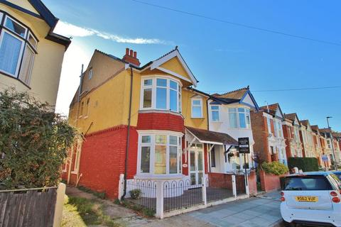 5 bedroom semi-detached house for sale - Thurbern Road, North End