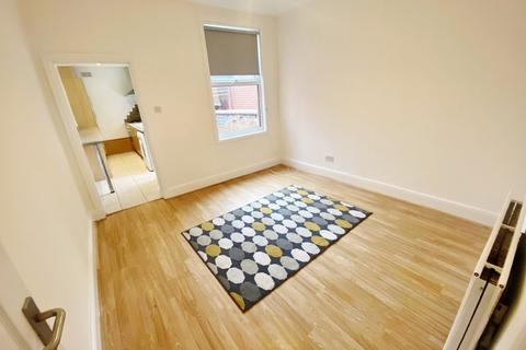 3 bedroom end of terrace house to rent - Somerset Road, RADFORD, COVENTRY CV1