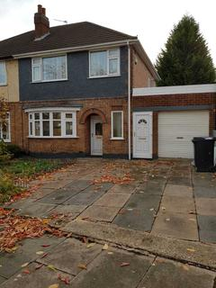 3 bedroom semi-detached house to rent - Sheringham Road