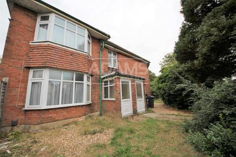 6 bedroom house to rent - Victoria Avenue, Victoria Park, Bournemouth