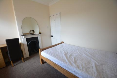 1 bedroom house share to rent - George Street, Woodston, PE2 9PD