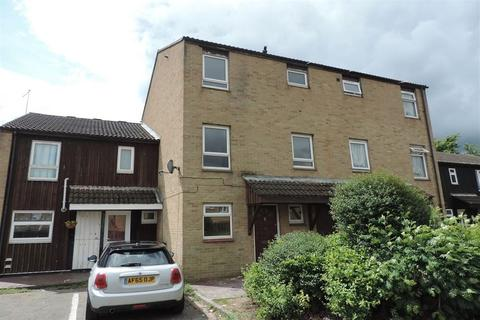 4 bedroom terraced house to rent - Medworth, Orton Goldhay, Peterborough, PE2 5RY