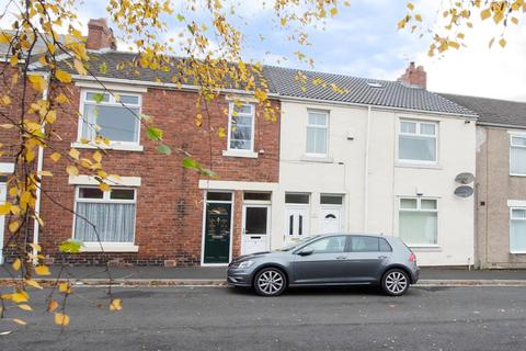 3 bedroom flat for sale - Claverdon Street, Newcastle Upon Tyne