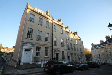 3 bedroom maisonette to rent - Park Street
