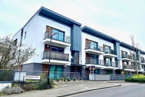 2 bedroom flat to rent - Ted Bates Road, Southampton, SO14