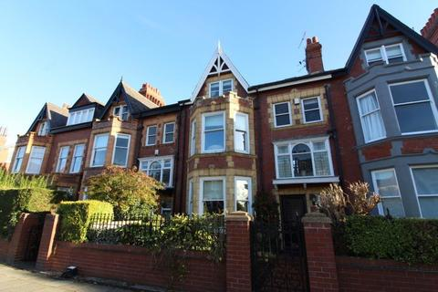 2 bedroom house share to rent - Coniscliffe Road, Darlington