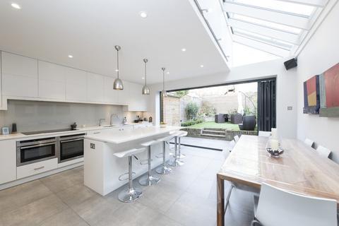 5 bedroom terraced house for sale - Gayville Road, Battersea, London