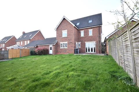 5 bedroom detached house for sale - St Augustines Drive, Weston, Crewe, CW2