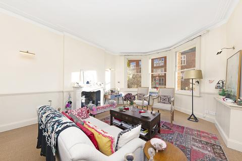 4 bedroom flat to rent - York Mansions, SW11